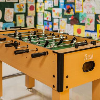 Настольный футбол в детской комнате Баден-Баден