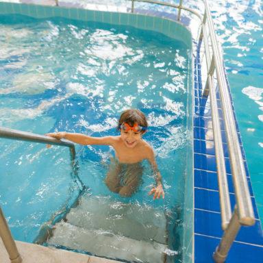 Оборудованные бассейны для детей в Баден-Баден